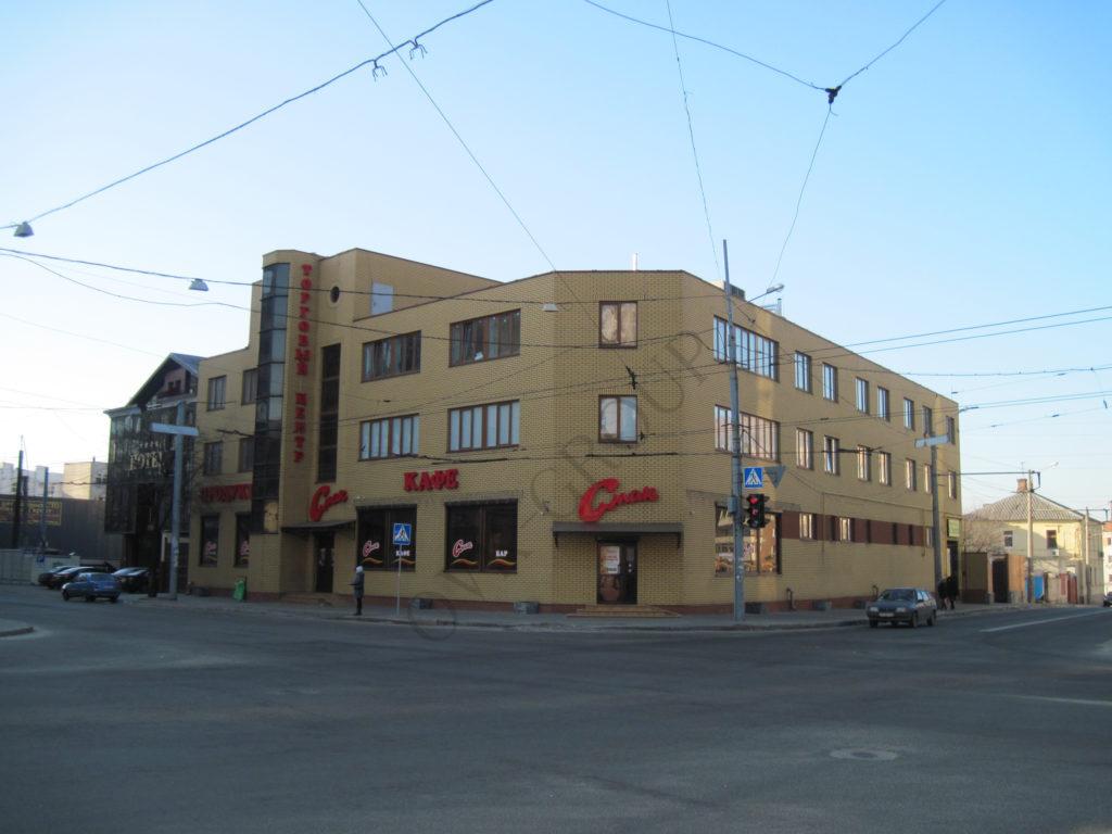 Монтаж систем вентиляции и кондиционирования торгово офисного здания