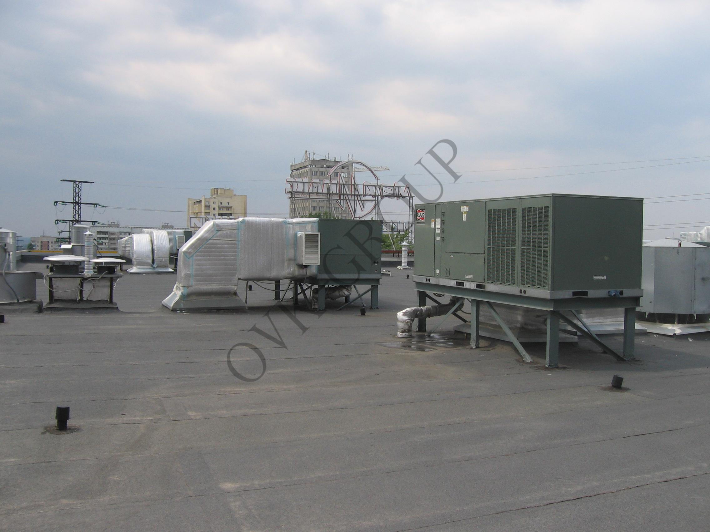 Использование руфтопов для воздушного отопления и кондиционирования торгового центра