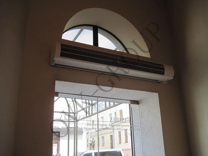 Монтаж воздушно тепловой завесы в офисном центре