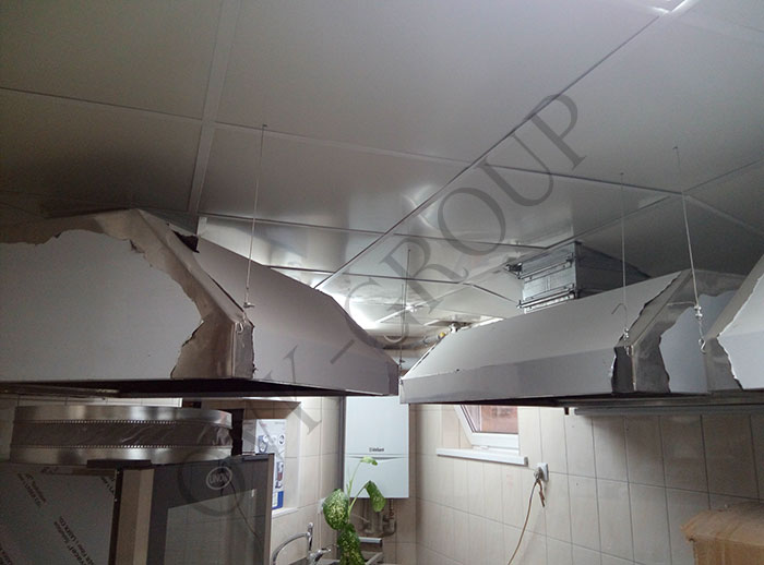Проектирование и монтаж воздуховодов и зонтов системы вентиляции в кухне кафе в Харькове